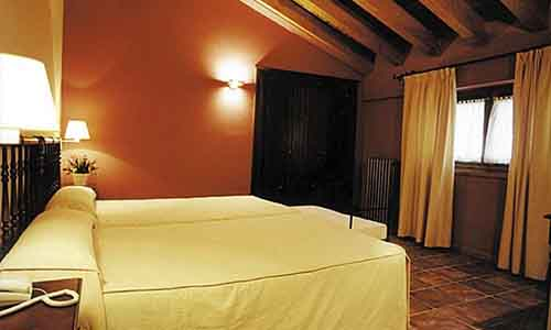 habitacion hotel con encanto en la rioja